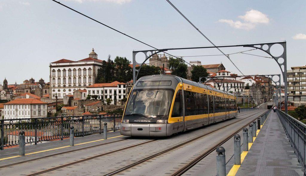 porto airport metro