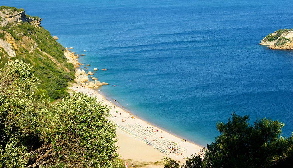 best beaches in Lisbon 2020